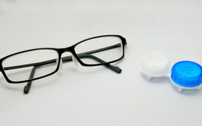 Contacts vs Glasses: What Are the Benefits of Each?